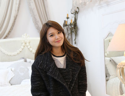 SooYoung-visited-Cotswolds-Store
